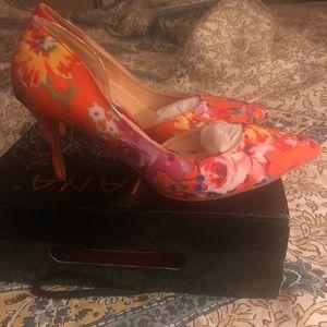 Liliana floral pumps